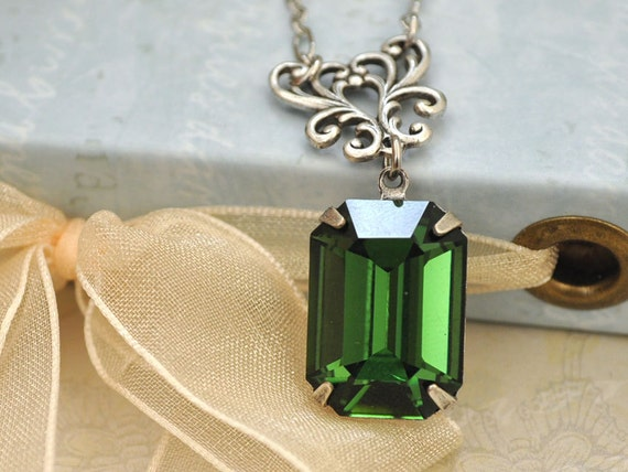 VINTAGE SPARKLE,  vintage Swarovski emerald  jewel necklace in antique silver