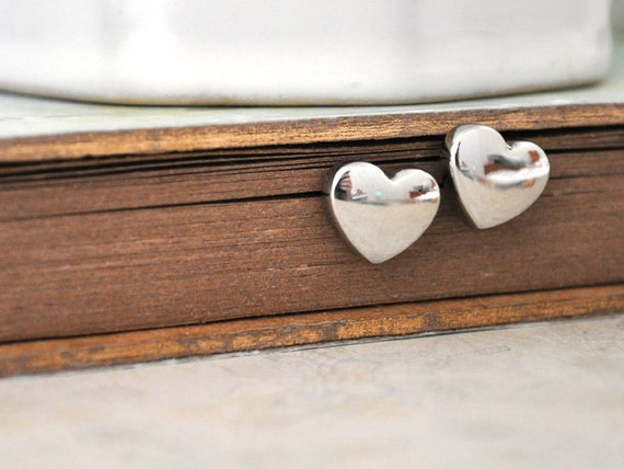 TINY HEARTS petite steel heart stud earrings