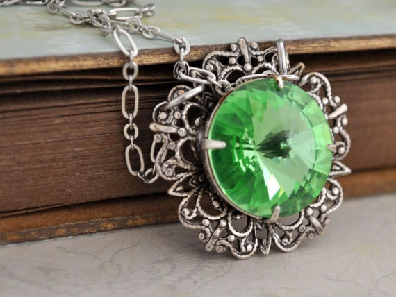 THE SUNFLOWER, antique silver plated necklace with Swarovski Peridot rivoli glass stone