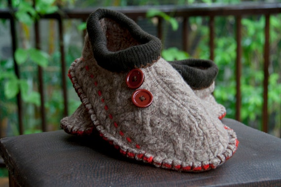Mens upcycled warm cable slippers.