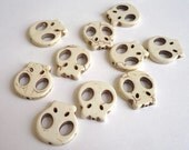 White howlite skull beads - 10 pieces