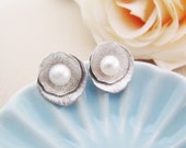 Beautiful Matte silver Lotus Ear posts with freshwater pearl