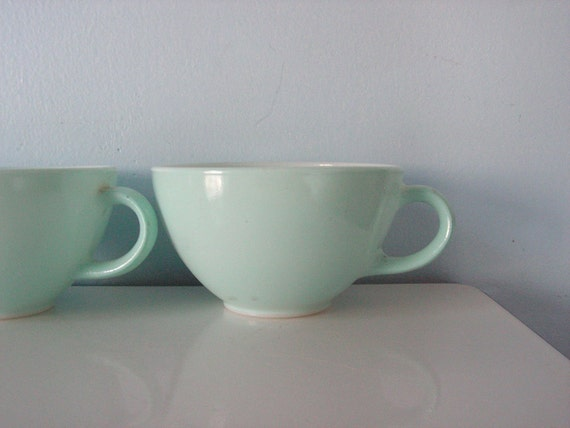 Reserved for Little0ne - Set of 7 Pyrex Teacups and Sugar Bowl