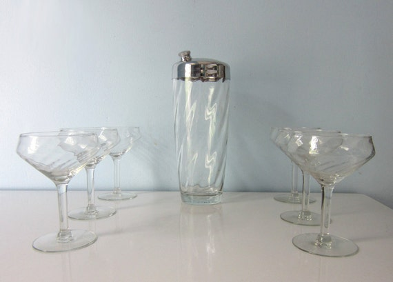 Vintage Martini Pitcher and Set of 6 Glasses with Pinwheel Pattern