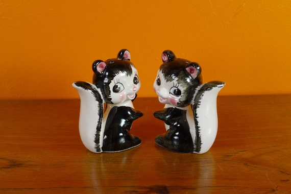 Vintage Skunk Salt and Pepper Shakers - Made in Japan