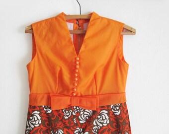 Vintage 1970s Sleeveless Floral Empire Waist Maxi Dress in Orange, Green, White