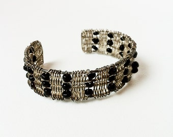 Beaded 90s Cuff Bracelet / Black and Silver