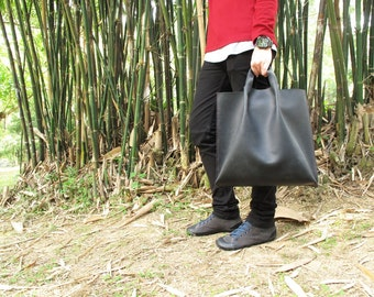 Hand-stitched handheld leather tote bag (black / tan / natural)