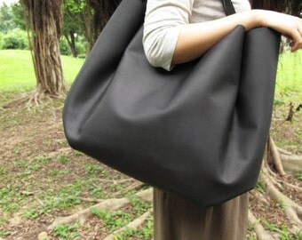 Hand-stitched Matte Black Leather Double Strapped Shoulder Bag (Original / Ex-large)