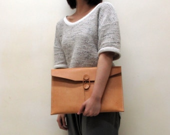 """Hand-Stitched camel leather envelope (Macbook Pro 13"""" / Macbook Air 13"""")"""