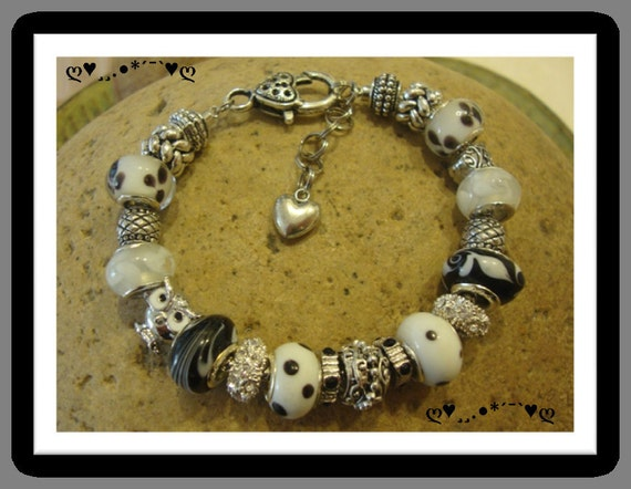 BLACK and WHITE OWL - Beautiful Pandora Style Bracelet