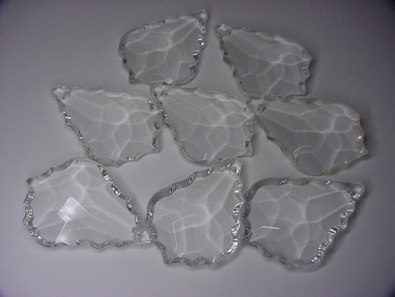 Scallop Edges Crystal Glass Prisms 8 pcs