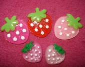 5 Strawberries Cabochons (2 sizes)