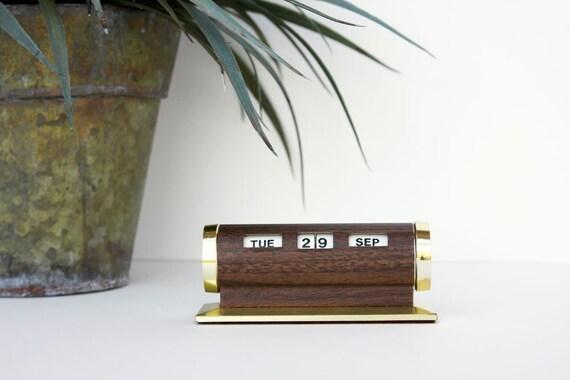 Vintage Perpetual Desk Calendar - Fabulously Faux Bois