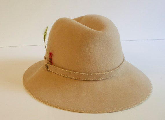 Vintage 1950s 1960s Womens Beige Wool Hat by Evelyn Varon