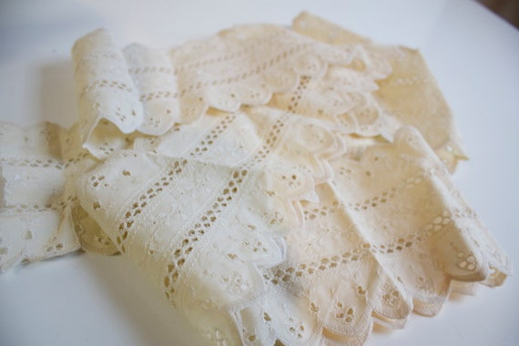 Vintage wide Cream color eyelet Lace 40 inches