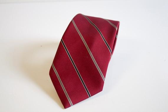 Vintage 1970s red skinny necktie by Gino Pempeii