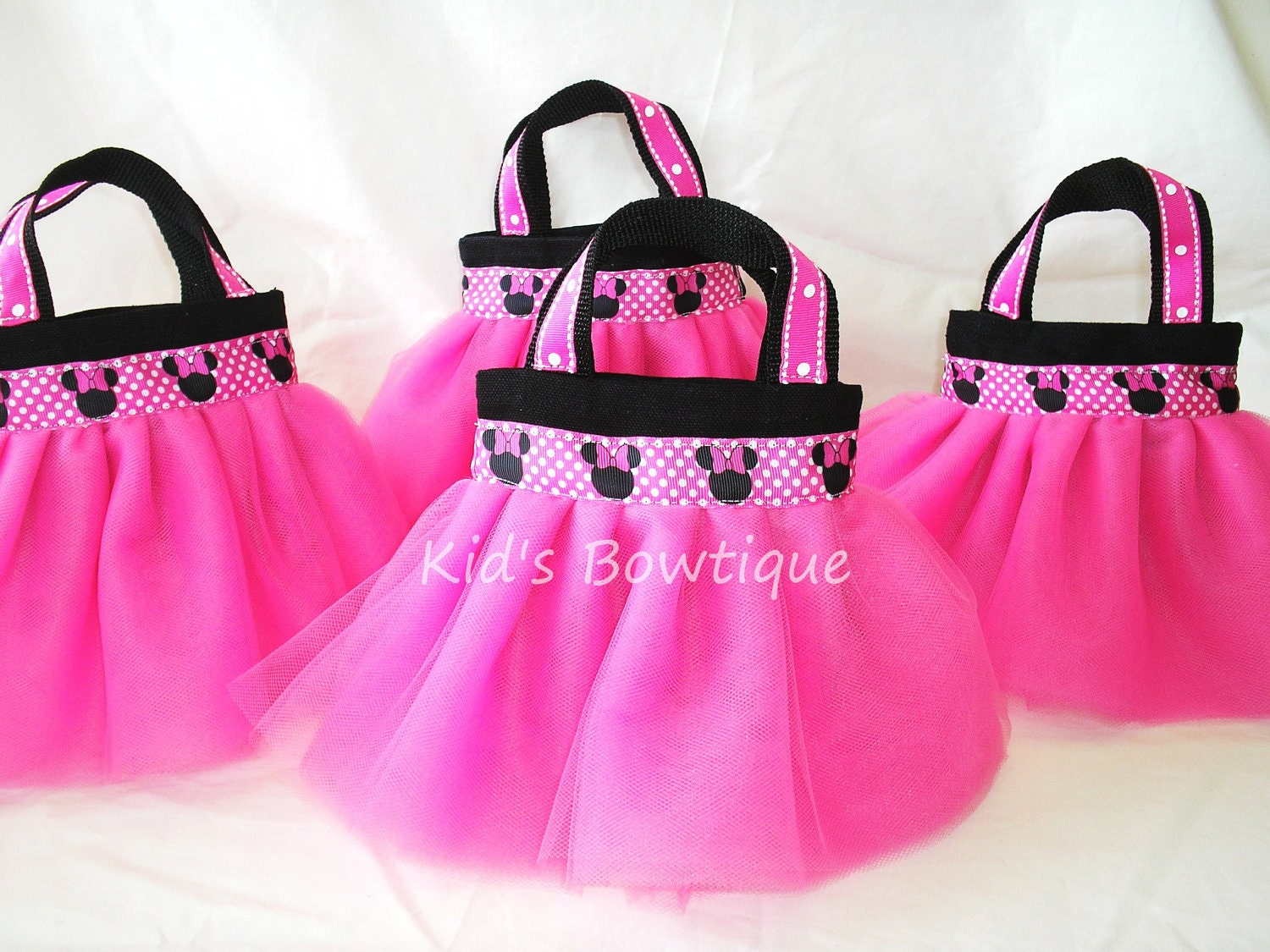 set of 4 minnie mouse themed party favor tutu bags. Black Bedroom Furniture Sets. Home Design Ideas