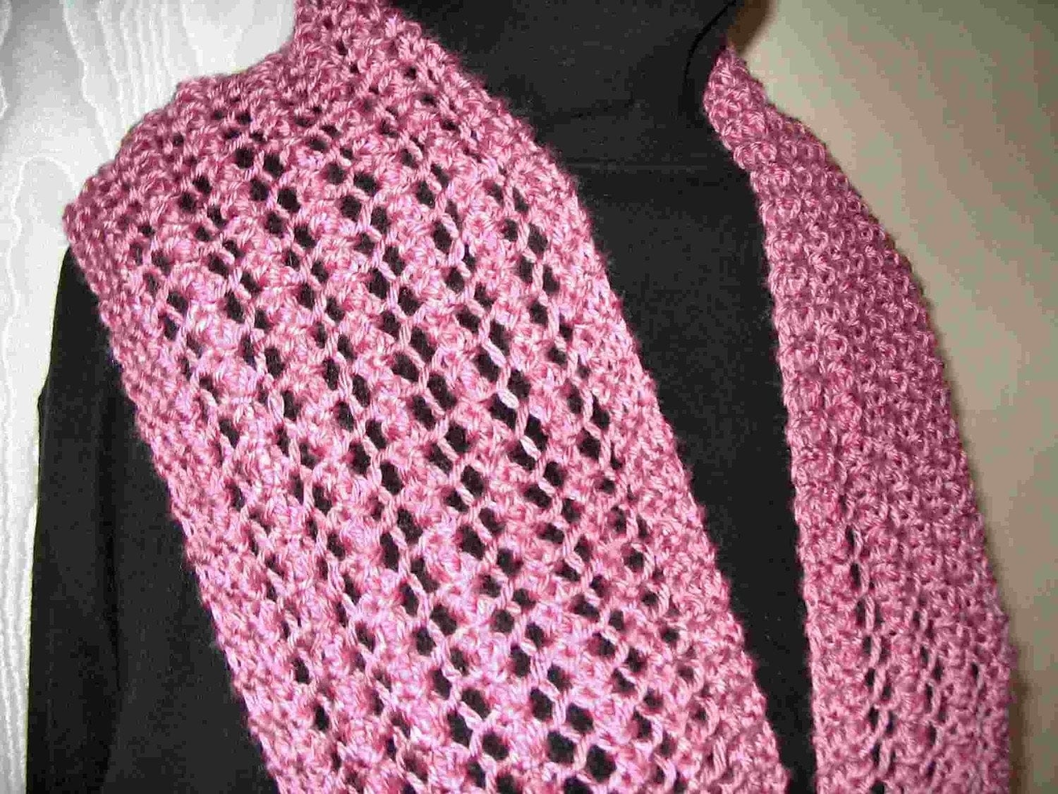 Beginner Knit Scarf Patterns : Knitted lace scarf Four patterns in One Easy to knit one row