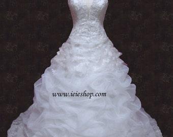 Deep V A-line Organza Wedding Dress with scalloped lace hems YO1004
