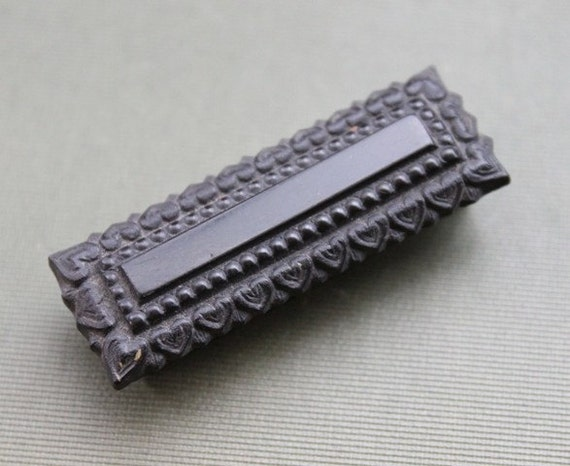 Early Victorian Mourning Carved Jet Heart Slide Buckle