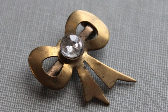 Art Deco Bow Brooch