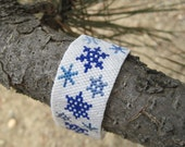 FALL CLEANING SALE Make me an offer/  Snowflake peyote stitch bracelet with Delica seed beads