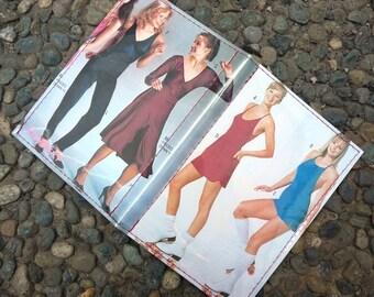 "Retro Fashion Vinyl Passport Case - ""Hotties 81"""