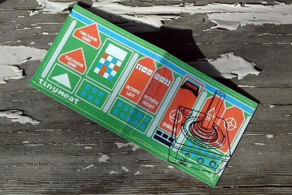 8 bit wallet-green