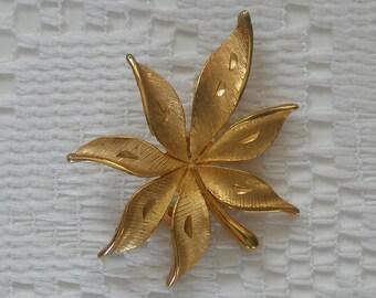 Vintage JJ Leaf Gold Tone Brooch