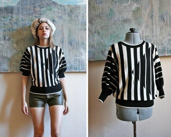 80s Geometric Batwing Striped Sweater / S-M