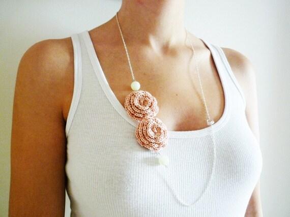 Romance Necklace - Crochet