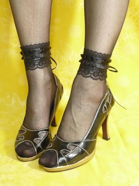 Black Ankle Cuffs with Lace and Ruffled Satin, Cuff Set with Corset Closure, Vamp, Gothic, Burlesque, Neo Victorian Goth