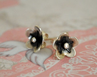 Silver Flower Stud Earring, Post Earring, Daisy Earring, Sterling Silver, Handmade, Oxidized, Floral,  Small, Bohemian Jewelry