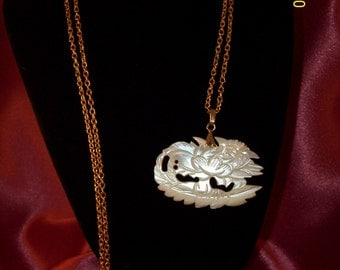 Vintage Mother of Pearl Rose Pendant