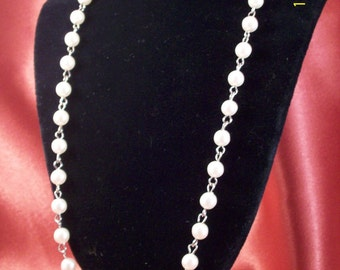 SALE-Vintage Faux Pearl and Silver Necklace