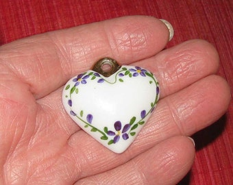 Ceramic heart pendant with hand-painted flowers