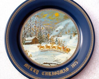 Vintage Christmas Tin Plate 1975 Artist Queenie Franklin- FREE Shipping