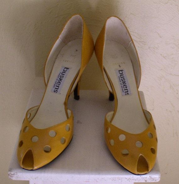 shoes mustard yellow peep toe pumps high heels size 7m