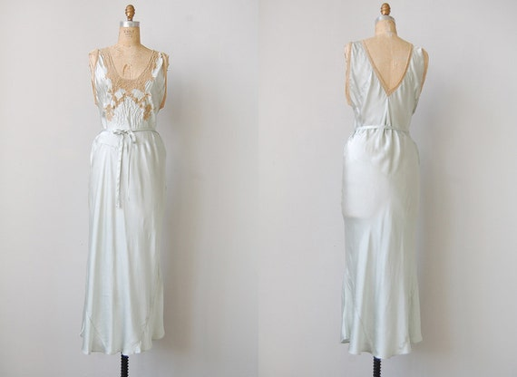vintage 1930s lingerie / vintage nightgown / vintage silk lace night dress