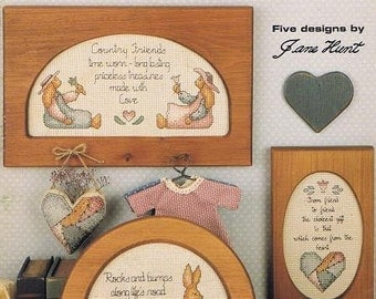 Country Friends Bunny Rabbits Red Hearts Flowers Patchwork Heart Counted Cross Stitch Embroidery Patterns Craft Leaflet Leisure Arts 808