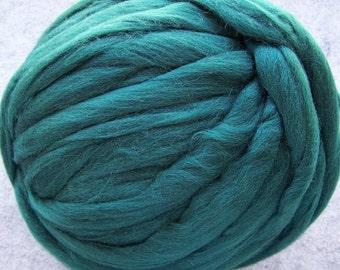 Wool Roving, Merino Roving, Merino Wool Roving, Tartan Green Roving, Felting Wool, Spinning Wool - Tartan Green - 8oz