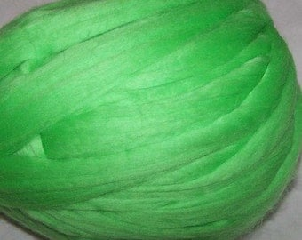 Roving Merino Wool - Lime - 8oz - Green Wool Roving - Green Merino Wool Roving