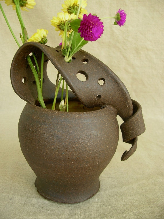 Ceramic Wild Flower Vase in Sun Yellow and black Mountain