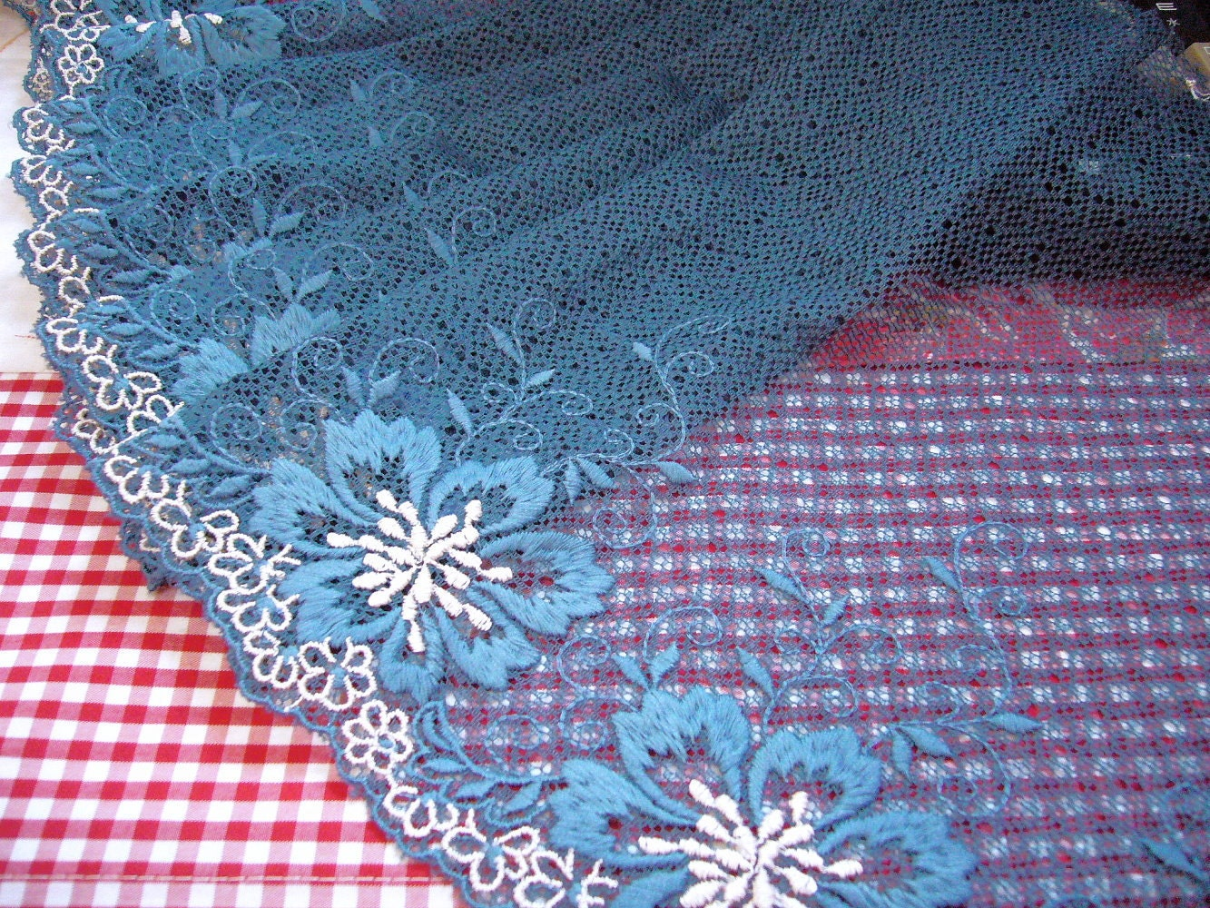 Lace trim embroidered tulle net fabric