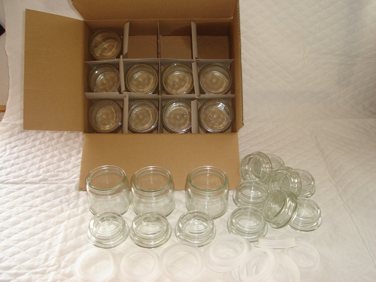 one dozen 4oz glass candle jars with lids and plastic rings. Black Bedroom Furniture Sets. Home Design Ideas