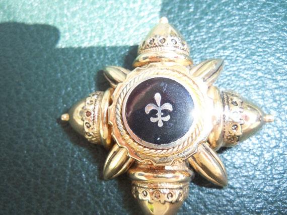 Vintage Fluer De Lis Brooch