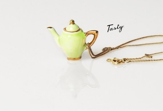 ALICE TEAPOT necklace