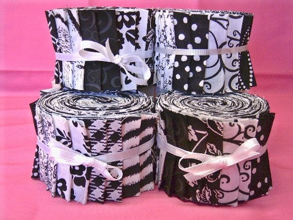 Black and White Jelly Roll -   Quilt Strips - Time Saver Quilt Kit - by SEW FUN QUILTS
