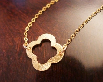 Gold Clover Pendant Necklace